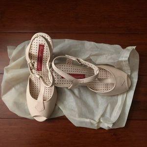 B.A.I.T blush T-Strap heels